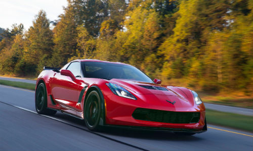 The 2016 Corvette Z06 features a carbon fibre hood with a visible weave section.