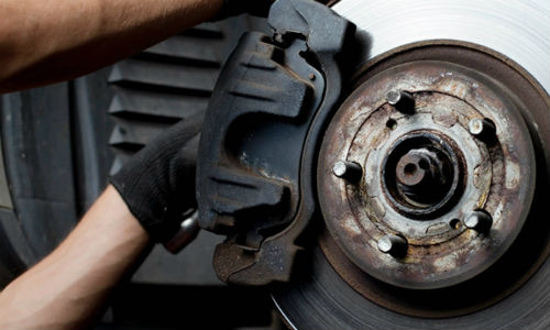 No OEM currently uses asbestos brake pads. However, some overseas aftermarket manufacturer still use the material. The private member's bill seeks to ban the importation of products containing asbestos.