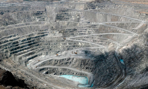 An asbestos mine in Quebec. Mining asbestos remains legal in Canada, but the last mine closed down in 2011.