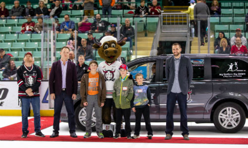 CARSTAR Red Deer Downtown and CARSTAR Red Deer South partnered with the Red Deer Rebels to present a van to the Red Deer Youth and Volunteer Centre (Youth HQ) at the Red Deer Rebels hockey game.