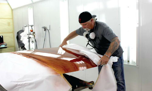 """Ron """"Flea"""" Fleenor of House of Kolor reveals a fantastic wood grain effect achieved using House of Kolor products. Fleenor provided a demonstration at Wallace's Conley Collision in Peterborough, Ontario."""